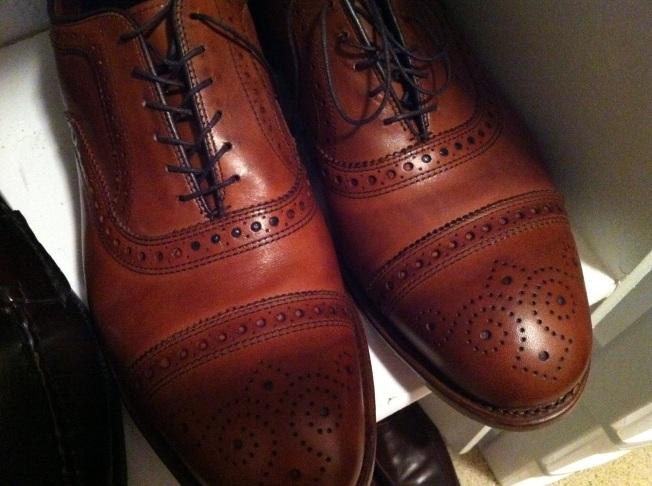 allen-edmond-brown-oxford-shoes